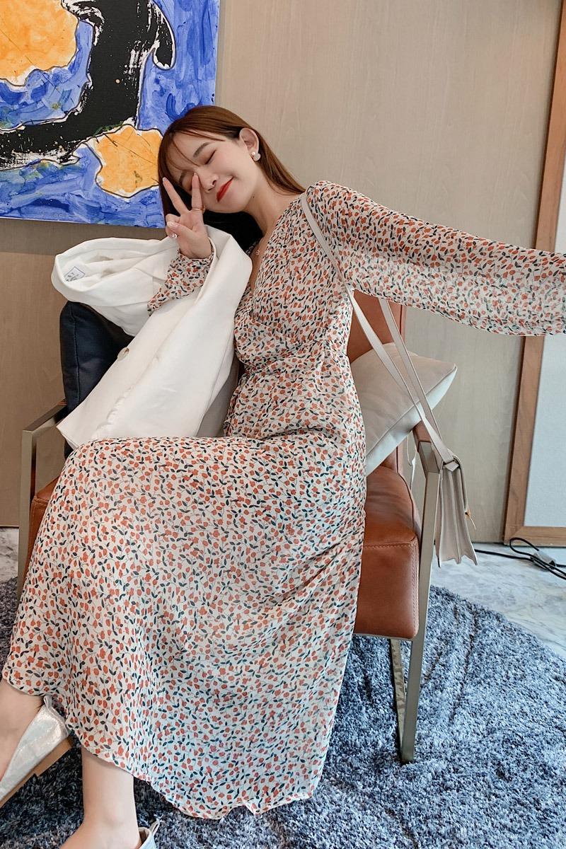 实拍 现货 秋季新款v领碎花雪纺连衣裙女韩版长裙系带收腰长袖裙