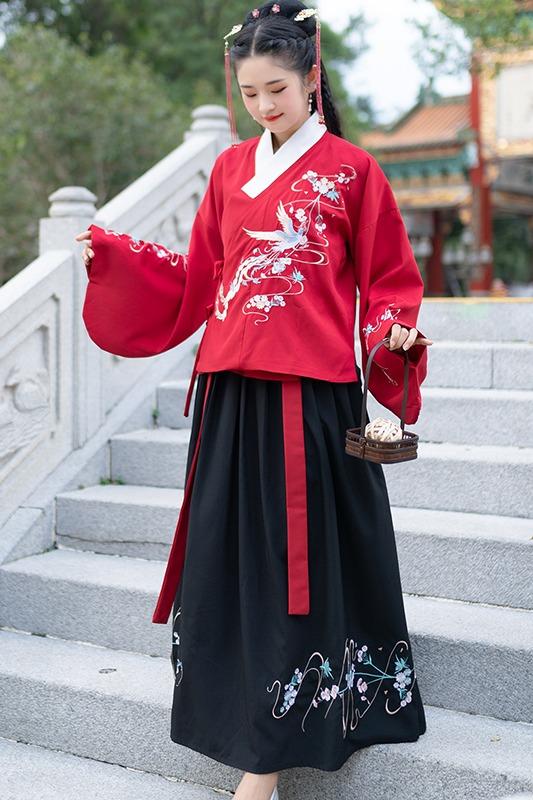 5661实拍新款原创刺绣琵琶袖袄裙汉服套装双面呢加厚斗篷披风