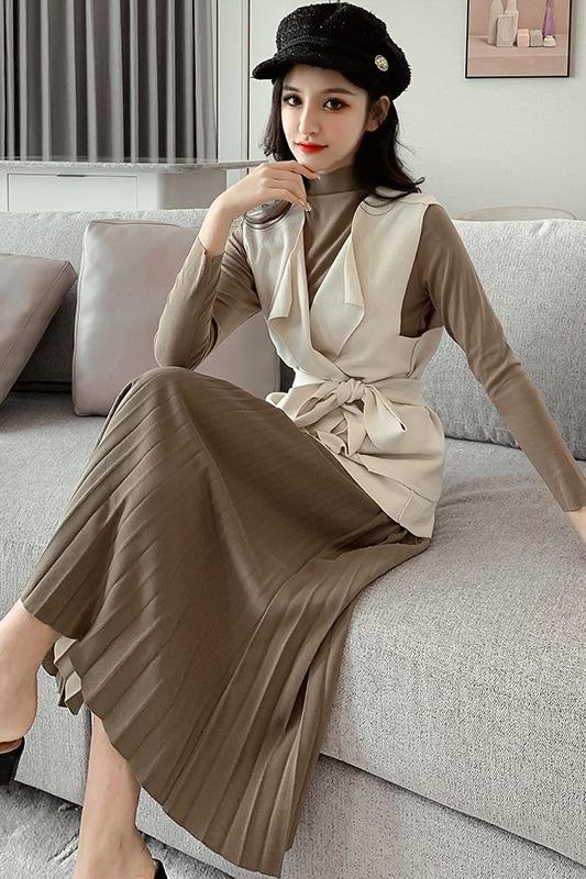 气质时尚马甲套装女秋季2019新款半高领打底衫百褶半身裙三件套潮