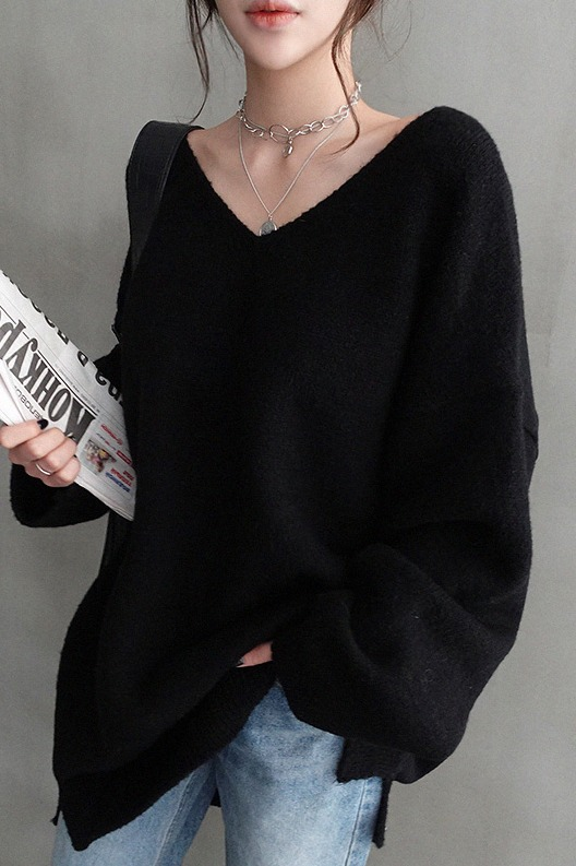 韩国秋冬外穿宽松慵懒风套头中长款V领毛衣打底黑色羊绒针织衫女