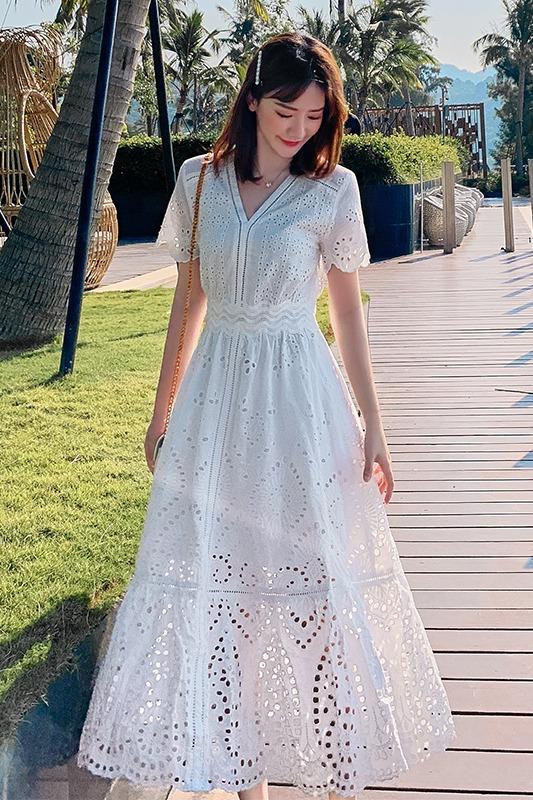 实拍白色连衣裙新款超仙裙子海边度假蕾丝海滩长裙巴厘岛沙滩裙