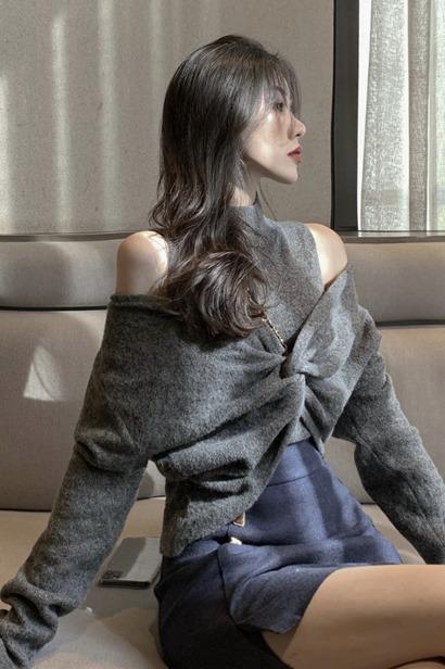 实拍实价  秋冬交叉式V领针织半高领露肩背心两件套上衣