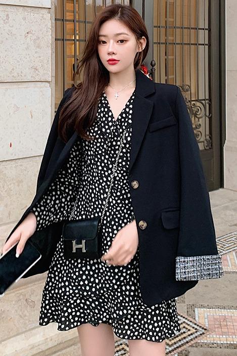 【实拍】小香风黑色拼接袖口西装外套+法式复古波点连衣裙套装