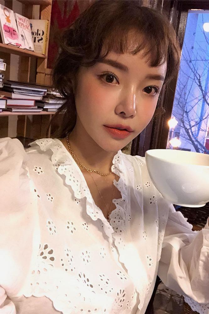 全棉  韩国官网同款 慵懒可爱镂花边长袖衬衫