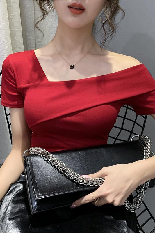 2020新款夏网红卡腰短款t恤女修身红色斜肩锁骨紧身上衣短袖ins潮