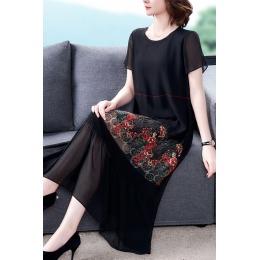 绣花连衣裙女2020春夏新款度假A字裙时尚短袖气质中长裙