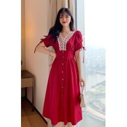 实拍 夏季新款法式复古气质优雅V领拼蕾丝花边排扣收腰显瘦连衣裙