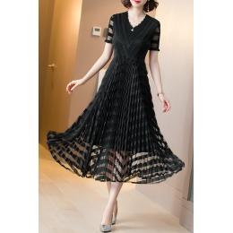 夏季连衣裙2020年新款V领短袖长款气质显瘦魔术裙褶皱大摆百褶裙