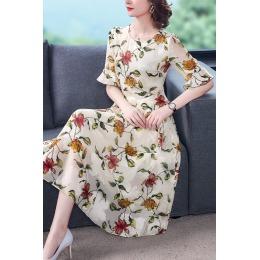 法式减龄碎花连衣裙夏2020年新款贵夫人典雅气质中袖裙子