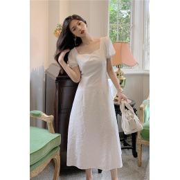 实拍 夏季新款法式复古露背蝴蝶结白色方领收腰显瘦中长款连衣裙